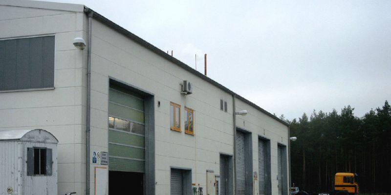 reparaturhalle-5211E2910-473D-CF7C-807E-8D38EC3F065A.jpg